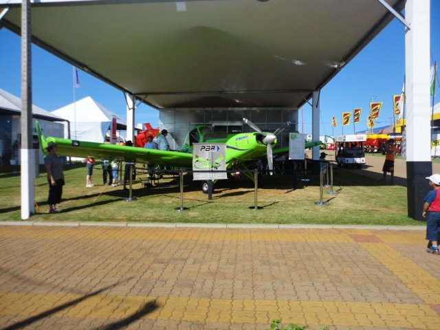 Estande da Embraer / Neiva na Expodireto 2012_2
